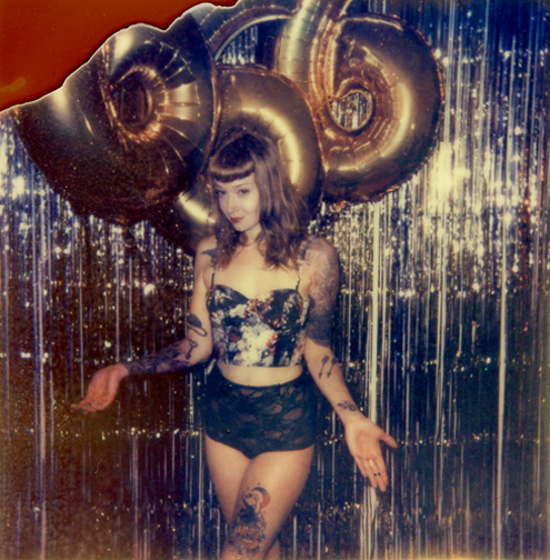 http://colleendurkin.com/files/gimgs/21_19colleen-durkin-photography-fashion-lifestyle-fun-film-chicago-666-balloons-inked-girls-magazine.jpg