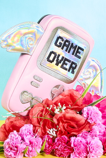 http://colleendurkin.com/files/gimgs/24_242024colleen-durkin-photography-glossed-and-found-game-over.jpg