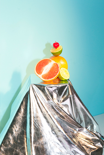 http://colleendurkin.com/files/gimgs/24_colleen-durkin-photography-chicago-studio-still-life-fruit-cocktail.jpg