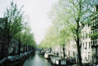 15_colleen-durkin-photography-fashion-lifestyle-fun-film-chicago-places-travel-amsterdam-canals-boats-hostel.jpg