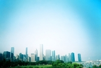 15_colleen-durkin-photography-fashion-lifestyle-fun-film-chicago-places-travel-chicago-skyline-summer-view-from-science-museum.jpg