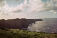 15_colleen-durkin-photography-fashion-lifestyle-fun-film-chicago-places-travel-ireland-cliffs-of-moher.jpg