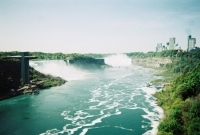 15_colleen-durkin-photography-fashion-lifestyle-fun-film-chicago-places-travel-niagara-falls-canada-bridge-dont-jump.jpg