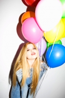 18_nylon-magazine-sky-ferreira-ballons-colleen-durkin-photography-fashion-lifestyle-fun-film-chicago.jpg