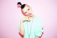 20_clara-rae-inked-girls-vivian-westwood-skeleton-shaved-head-chicago-fashion-lifestyle-fun-photographer-sweater.jpg