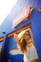 21_colleen-durkin-photography-fashion-lifestyle-fun-film-chicago-prizes-santa-monica-pier.jpg